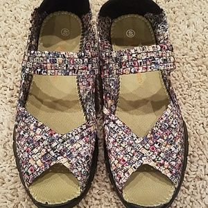 bernie mev. Shoes - Bernie Mev NY Slip On Shoes. Sz 40/ Sz 9