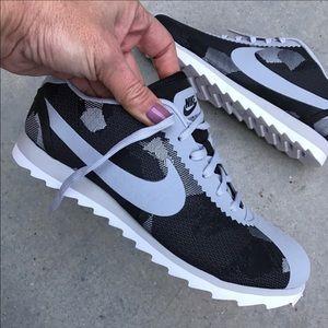Nike Shoes - NWOB 👟 NIKE CORTEZ PREMIUM JAQUARD SZ 6 WOMEN
