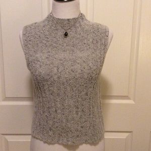 Cropped Sleeveless Knit Top