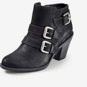 Black RuffHewn short buckle booties