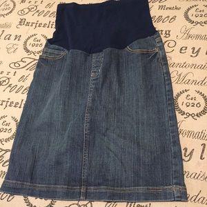 Motherhood Maternity Dresses & Skirts - Maternity denim Jean skirt size small