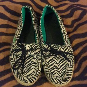 Sanuk Shoes - Sanuk canvas zebra print slip ones-  sz 11