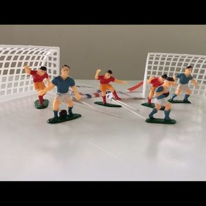Oasis Other - 12 pc SOCCER Cake Topper Set - Goals Players Flags