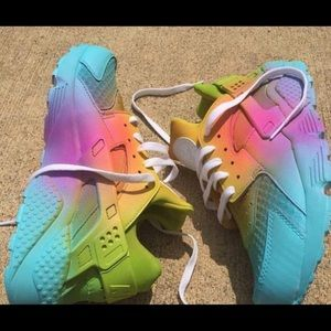 Nike Other - Nike huarache rainbow days