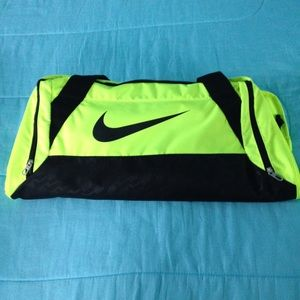 Nike duffel bag medium green