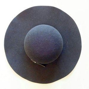 Accessories - Wide Brim Felt Hat