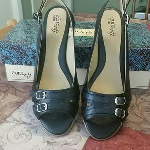 Sofft Shoes - Black leather wedges NIB