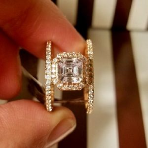 henri bendel Jewelry - Henri Bendel Gold Ring