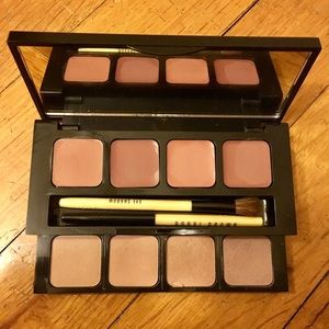 Bobbi Brown Other - Bobbi Brown Nude Lip and Eye Palette