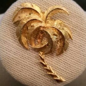 Vintage Jewelry - Vintage gold tone palm tree brooch