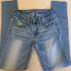 American Eagle Outfitters Denim - American Eagle Jegging. Size 2-Short. Light rinse.