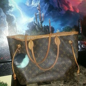 Louis Vuitton Handbags - - P AYPAL PRICE ONLY- 101 % Auth LV neverfull MM