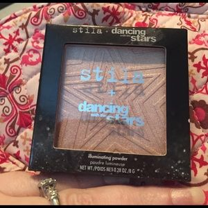 Stila Other - Stila illuminating powder