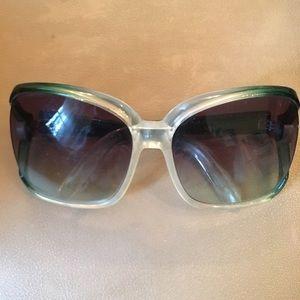 Von Zipper Accessories - Von Zipper large framed sunglasss