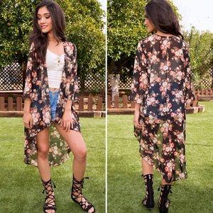 DIVIINE Tops - Floral kimono❤️