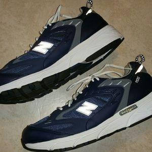 New Balance Other - Men's New Balance Navy 1105 SL-2 Runner Sneakers