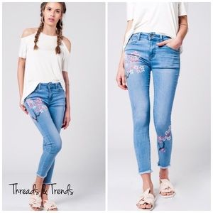 Threads & Trends Denim - 🌸🆕 Painted Frayed Skinny Jeans