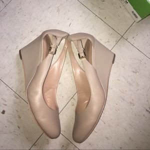 Kelly & Katie Shoes - Nude close toe heels