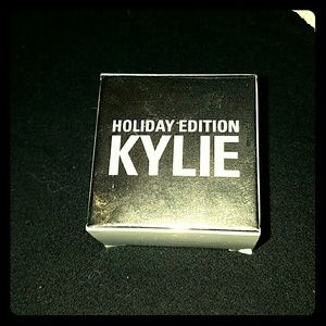 SALE!! *Kylie's Camo Creme Shadow -NWT.*