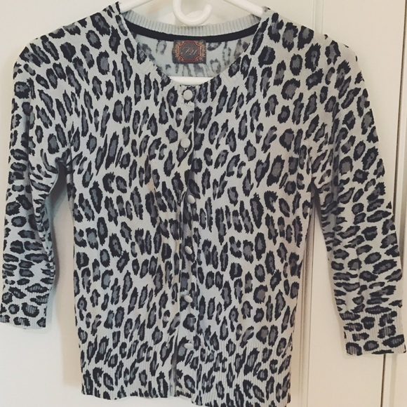60% off Forever 21 Sweaters - Grey Forever 21 leopard print ...
