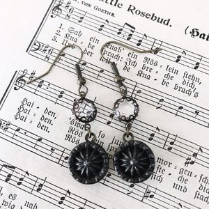 Cultiverre Jewelry - victorian starburst earrings (last pair)
