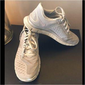 Nike 4.0 women's running shoe size 6.5