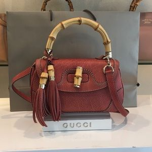 Gucci Bamboo Leather Shoulder Bag 254884 Coral