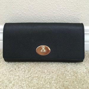 Coach Handbags - COACH leather clutch/ crossbody bag
