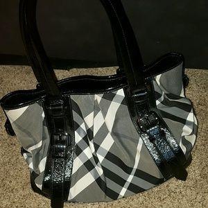 Handbags - Burberry purse