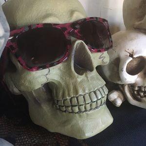 Sunglasses, Purple Leopard Print Retro A La 80's