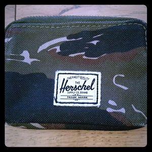 Herschel Supply Company Other - Herschel Supply Co Oxford Camo Pouch Wallet