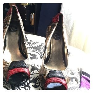 Rocky Shoes - Heels size 6 small only used once.