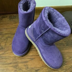 UGG Shoes - Purple Ugg Boots. Size 5 can fit a 6 1/2