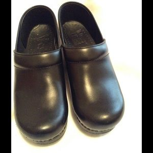 Dansko Shoes - Dansko Professional Clogs