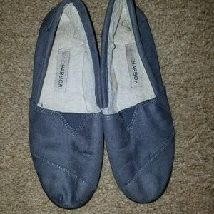 Women's size 8 casual shoes