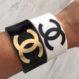 Chanel cuff bracelet white with black logo