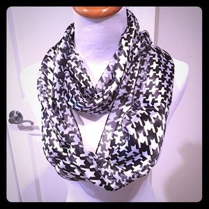 Accessories - Black White Houndstooth Scarf Infinity or Straight