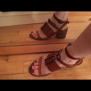 LD Tuttle Leather Buckle Sandals Size: 38/8