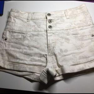Tinseltown Pants - High waisted shorts