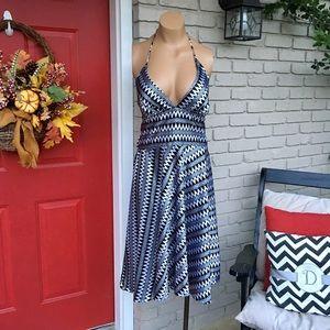Alyn Paige Dresses & Skirts - Black white silky zig zag halter dress
