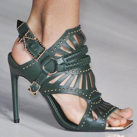 8d88d63e6572a Ivy Kirzhner studded Valentine leather sandal. M 58db1db599086ab21d02e00e