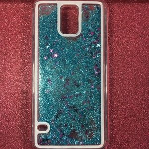 Accessories - This phone case is for the Samsung Galaxy S5.