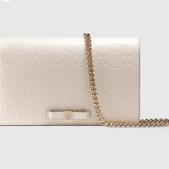 9abb5c308da Gucci Handbags - Gucci Signature MINI