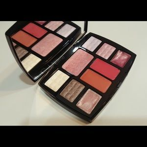 CHANEL Other - Chanel travel makeup palette