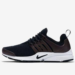 Nike Shoes - Nike Air Presto