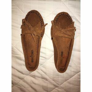 Minnetonka Shoes - Minnetonka Light Brown Moccasins