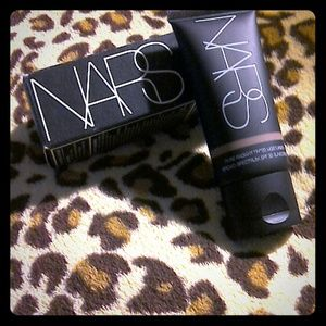 NARS Other - NARS Pure Radiant tinted moisturizer