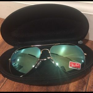 Ray-Ban Accessories - Gold frame Aviators, new in case.