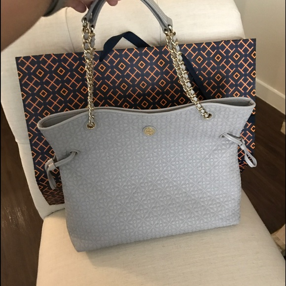 d92b6a677254 Tory Burch Bryant Quilted Slouchy Tote. M 58dbb6504225be663c002ac0