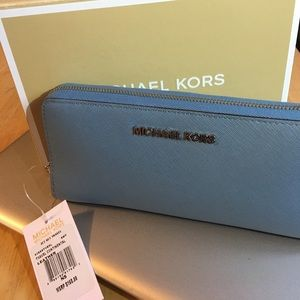 Michael Kors Jet Set Wallet
